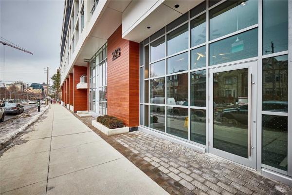 223 St Clair Ave W, Toronto