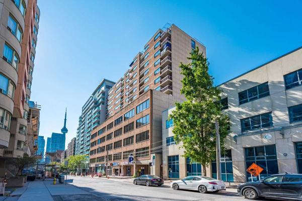 120 St Patrick St, Toronto