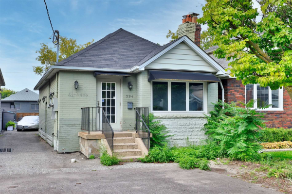 394 Old Orchard Grve, Toronto