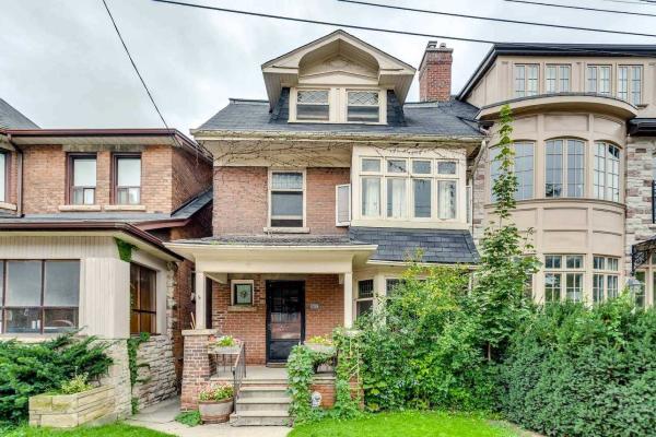 382 Spadina Rd, Toronto