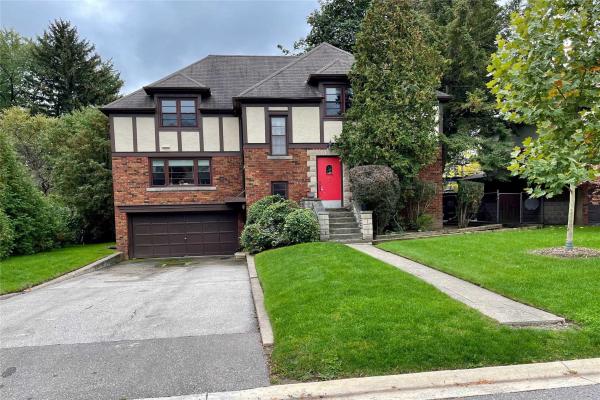 9 Ravenhill Rd, Toronto