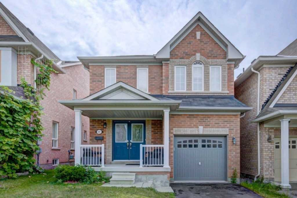 49 Oceanpearl Cres, Whitby