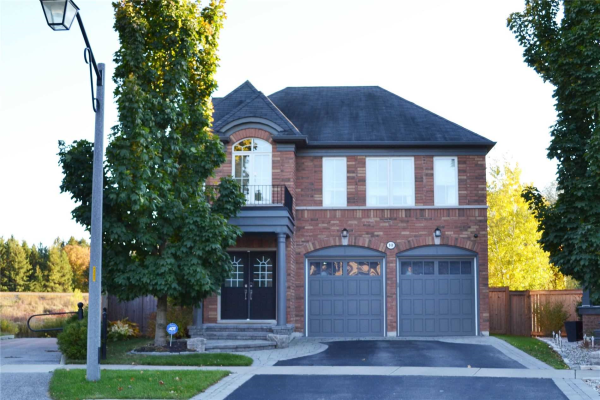 10 Whitbread Cres, Ajax