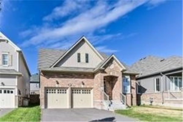 223 Kenneth Cole Dr, Clarington