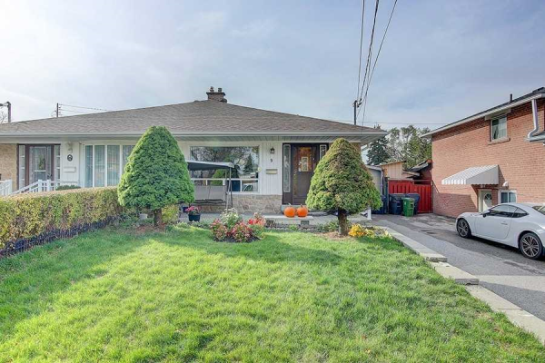9 Pender Cres