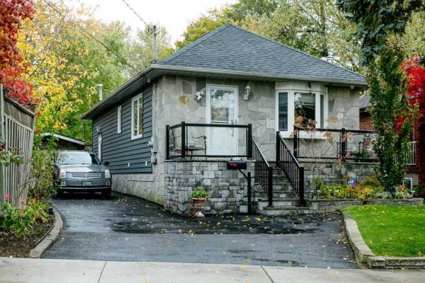 139 Scarboro Cres, Toronto