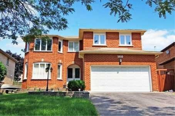 1616 Middleton (Bsmnt) St, Pickering