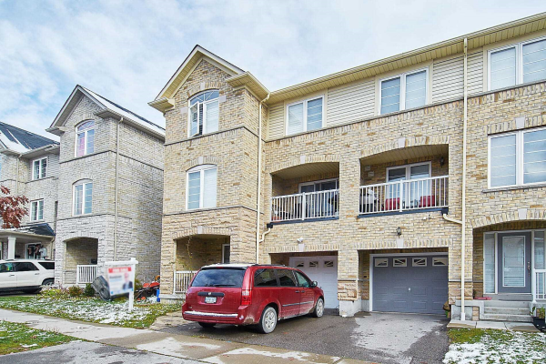 23 Webbford St, Ajax
