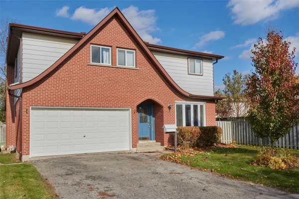 4 Deerfield Crt, Whitby