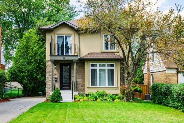10 Twin Pauls Cres, Toronto