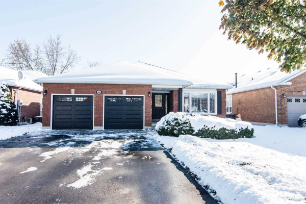 44 Foster Creek Dr, Clarington