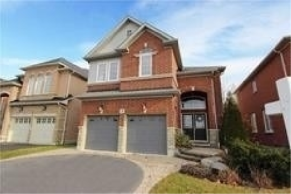 3 Blossomview Crt, Whitby