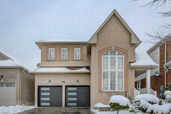746 Grand Ridge Ave, Oshawa