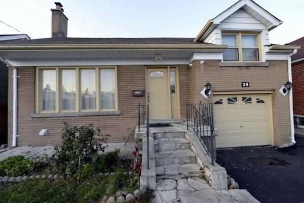 38 Janet Blvd, Toronto