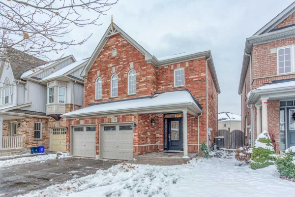 38 Middlecote Dr, Ajax