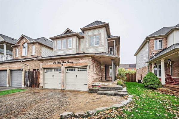 496 Whitby Shores Way, Whitby
