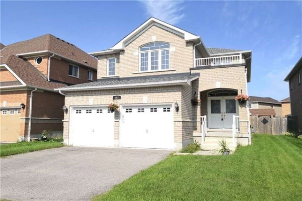 143 Baycliffe Dr, Whitby