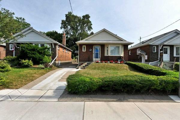 609 Mortimer Ave, Toronto