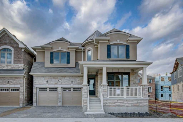 57 Westfield Dr, Whitby