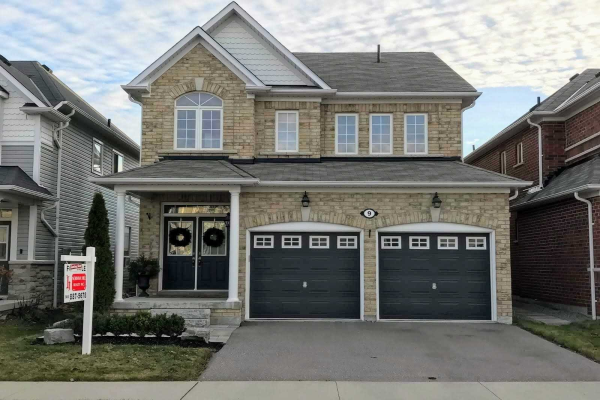 9 Shrewsbury Dr, Whitby