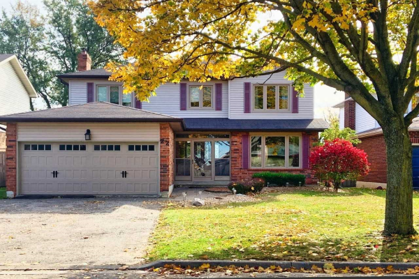 22 Evaleigh Crct, Whitby