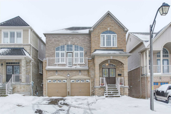 31 Loughlin Hill Cres, Ajax