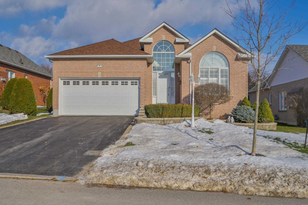 75 Country Estates Dr, Scugog