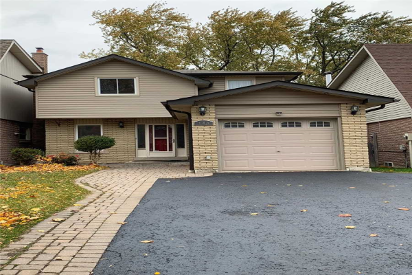 534 Creekview Circ, Pickering
