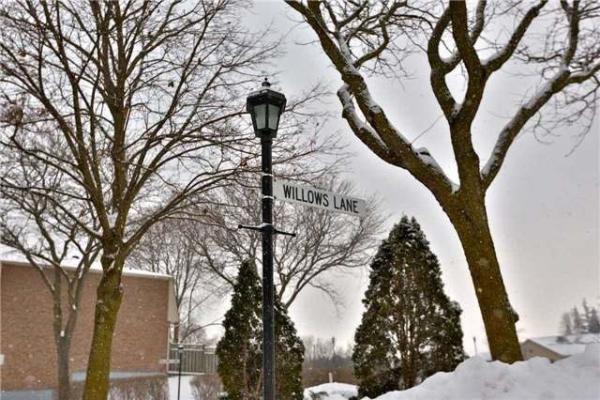 2 Willows Lane, Ajax