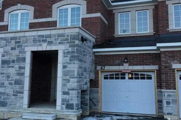 47 Rimrock Cres, Whitby