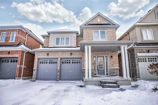 77 Promenade Dr, Whitby