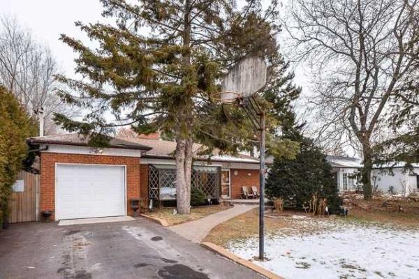 489 Brownfield Gdns, Toronto