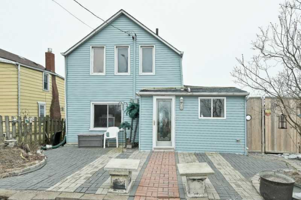 76 East Beach Rd, Clarington