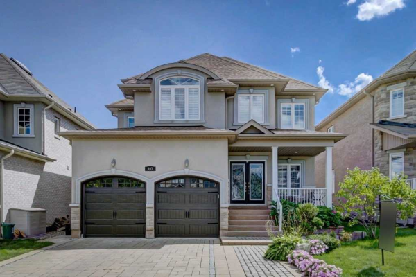 807 Wingarden Cres, Pickering