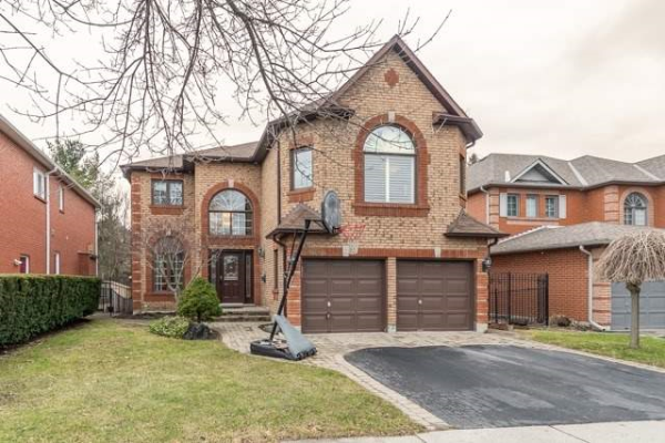 1014 Lytton Crt, Pickering