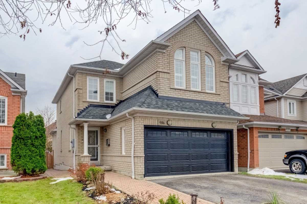 486 Woodsmere Cres, Pickering