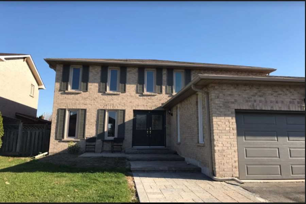 25 Carrick Ave, Ajax