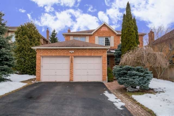 133 William Stephenson Dr, Whitby