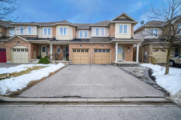 69 Beer Cres, Ajax