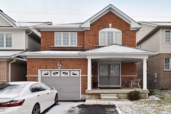 38 Puttingedge Dr, Whitby