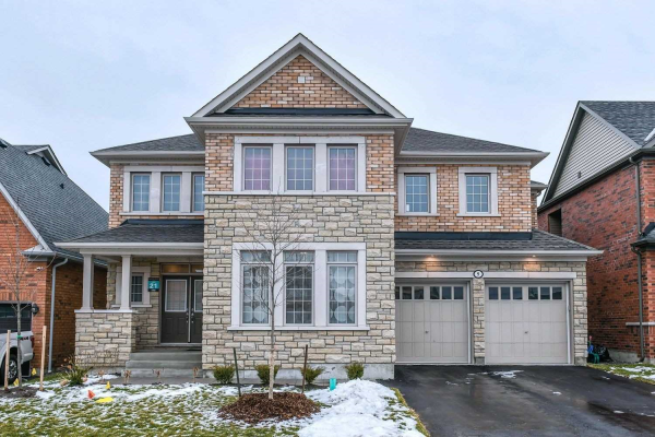 9 Schoolbridge St, Ajax