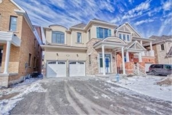 130 Westfield Dr, Whitby