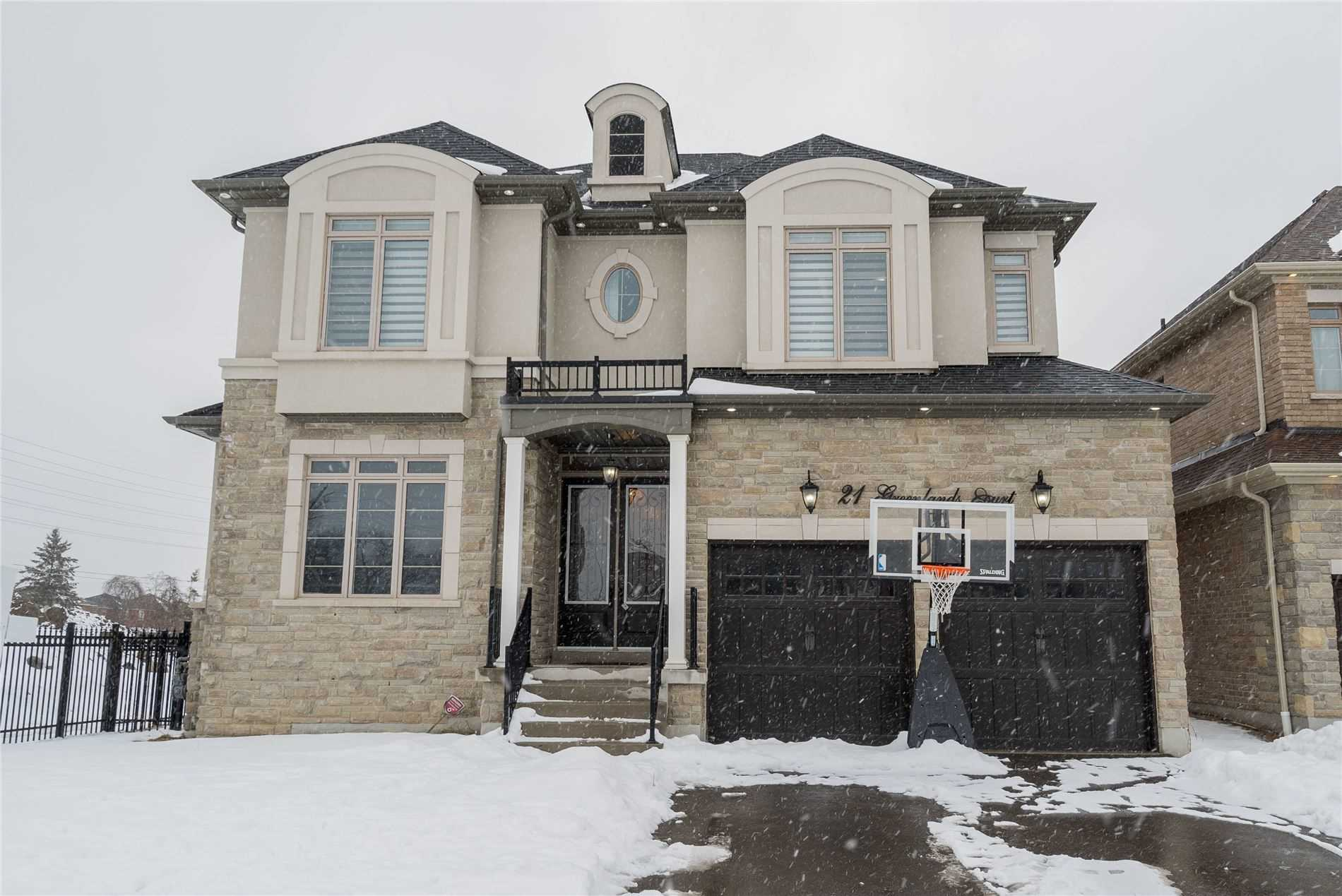 21 Greenlands Crt, Whitby