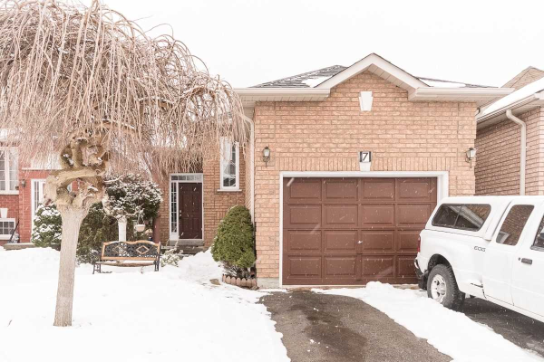 7 Willey Dr, Clarington