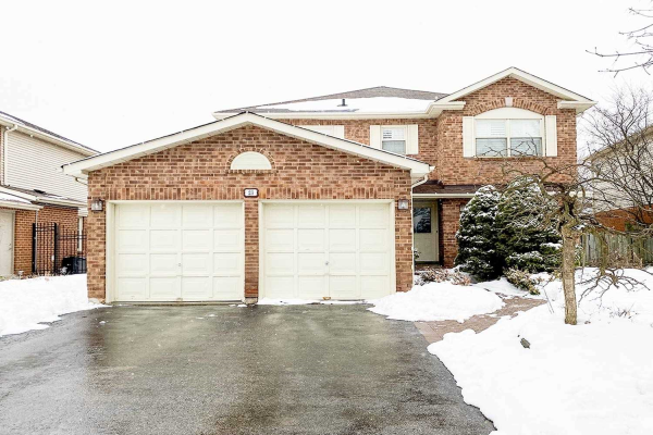 23 Chipperfield Cres, Whitby