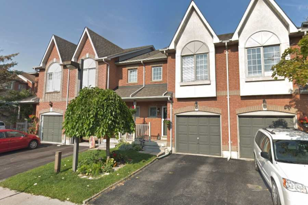 1867 Kingston Rd, Pickering