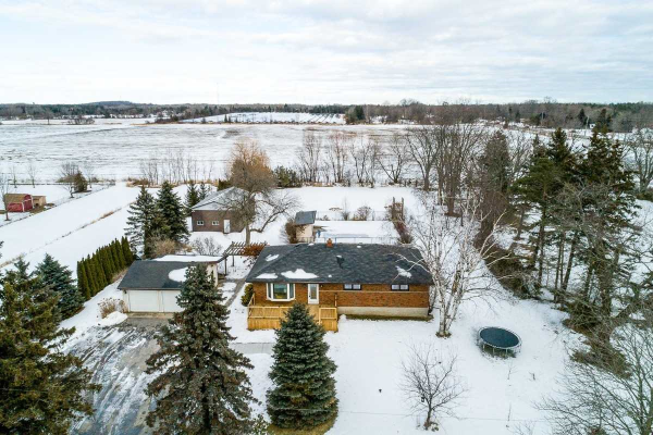 2057 Golf Course Rd, Clarington