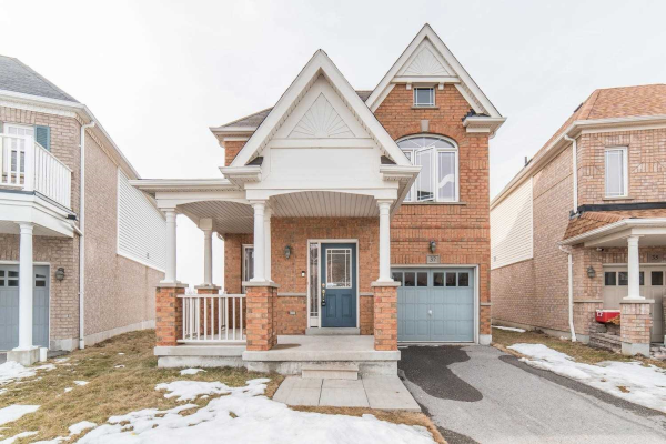 37 Decourcy-Ireland Circ, Ajax