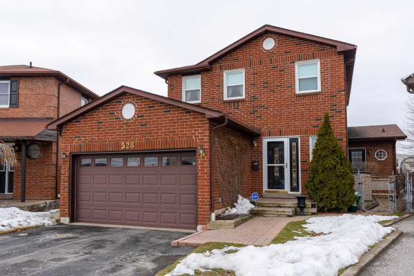 528 Norfolk Sq, Pickering
