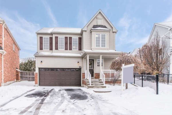 52 Teardrop Cres, Whitby